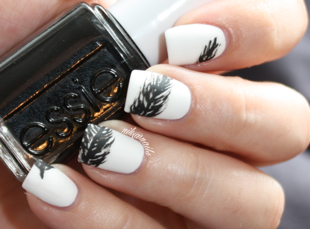 Black & White Nails