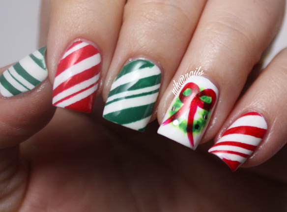 Wreath Nails
